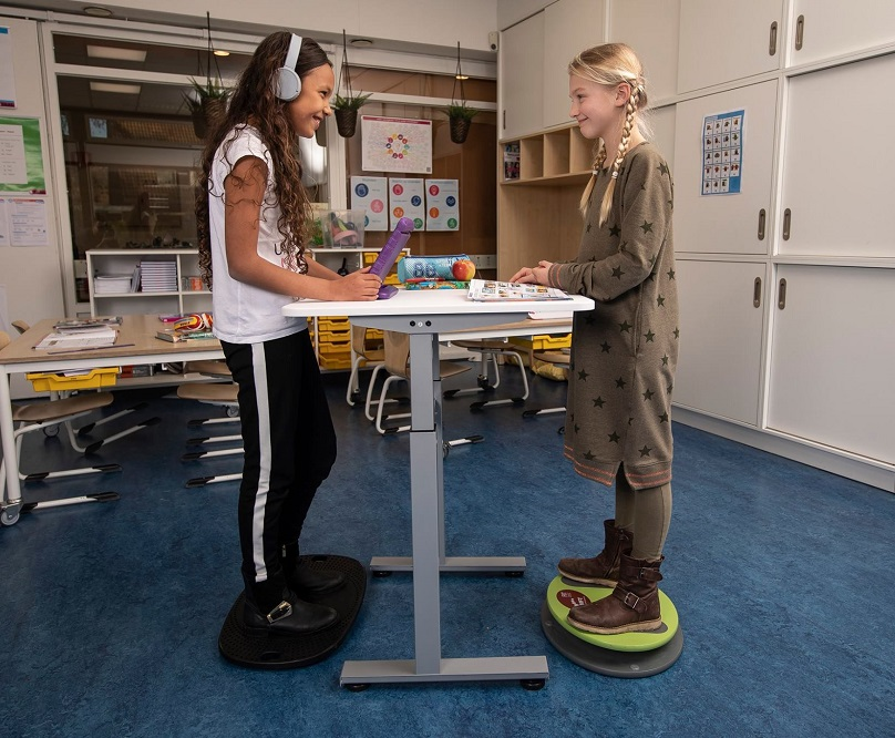 in class sit stand desk bouncydesk | choose a healthy workplace visit Worktrainer.com