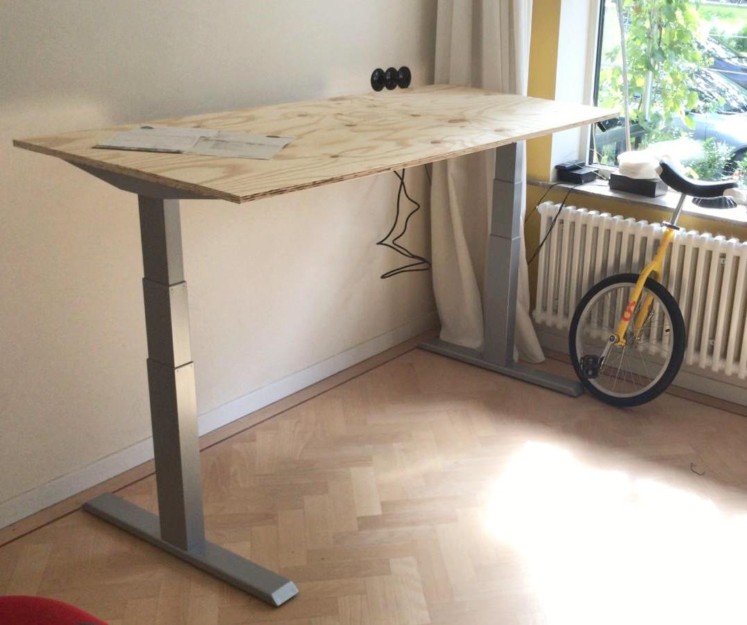 Steelforce 270 sit standing desk | choose a healthy workplace visit Worktrainer.com