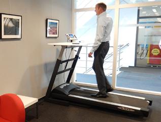 lopend werken op de walkdesk bekijk onze loopbureaus. Black Bedroom Furniture Sets. Home Design Ideas