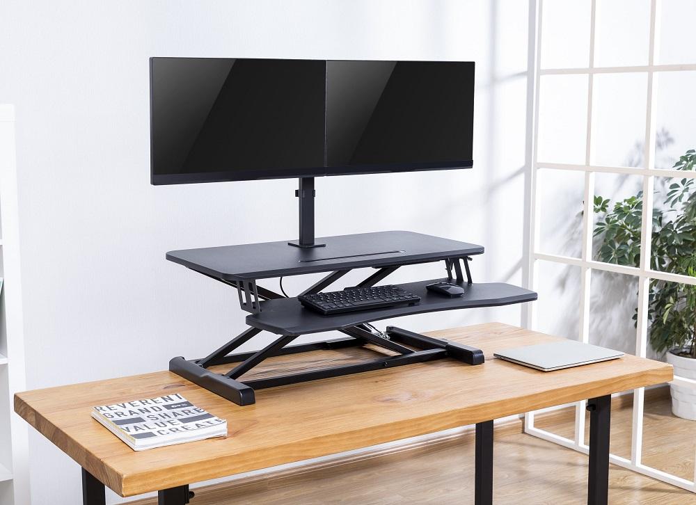 Updesk Monitorarm voor twee schermen | Accessoires voor je werkplek | Bezoek Worktrainer.nl