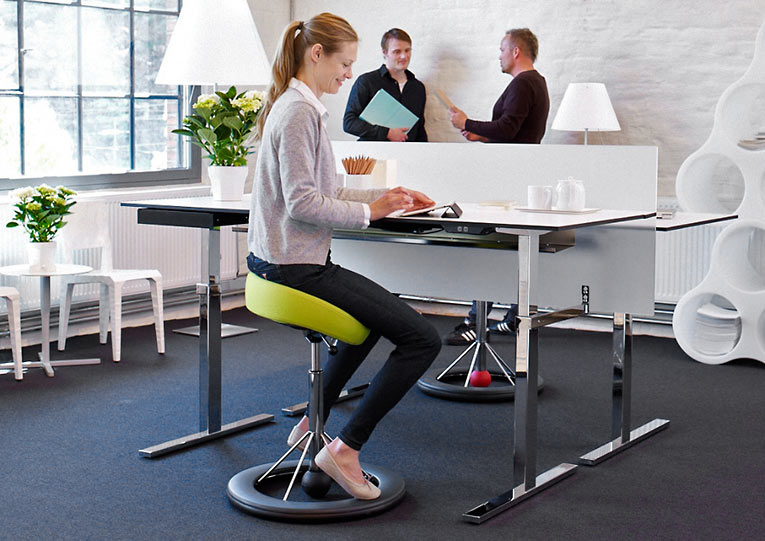 Balance chair Back app 2.0 | sitting and exercising behind your desk | Worktrainer.com