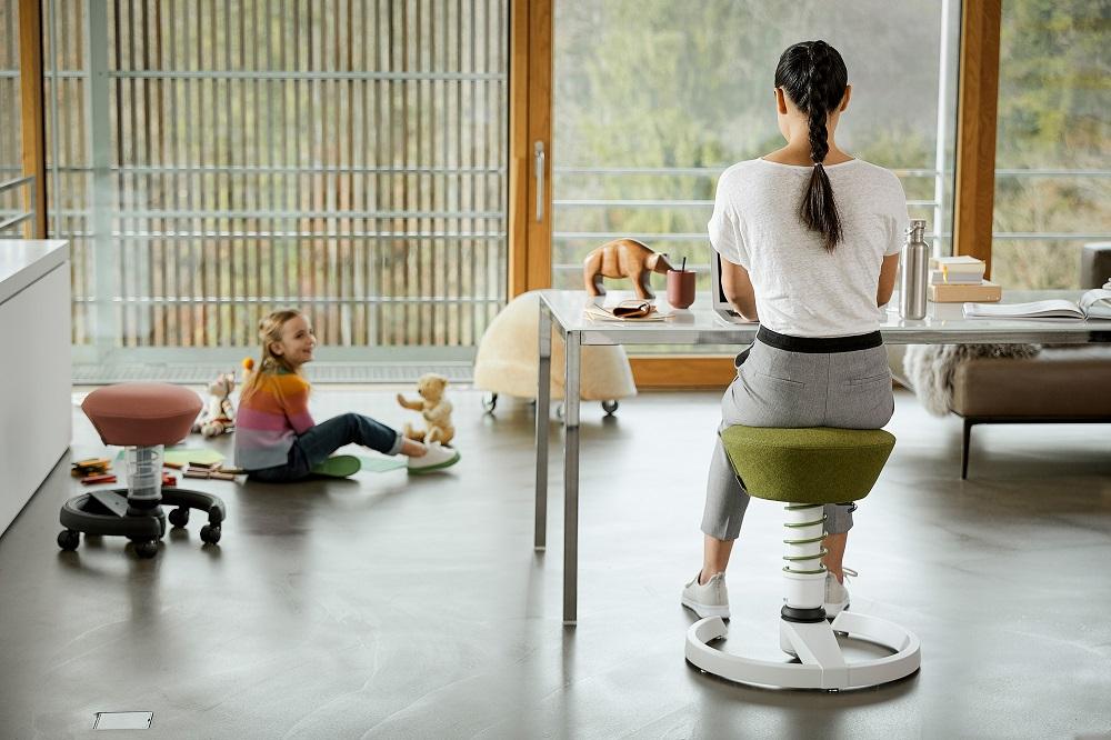 Aeris Swopper Ergonomic stool Capture | sit and exercise behind your desk | choose a healthy work place visit Worktrainer.com