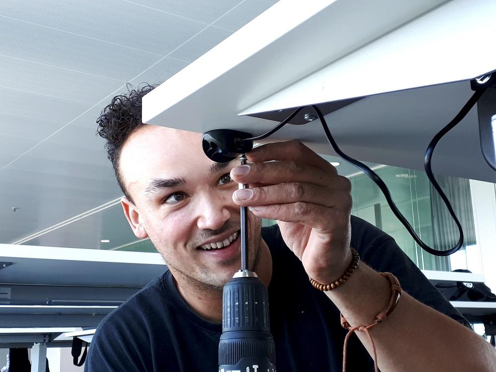 Kolomtafel Bary elektrisch hoog laag | kies voor een gezonde werkplek bezoek Worktrainer.nl