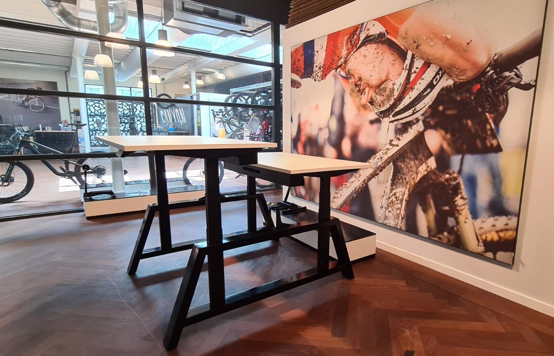 moteren bench bureau Oak desk workbench  dubbel zit sta bureau | kies voor een gezonde werkplek bezoek Worktrainer.nl