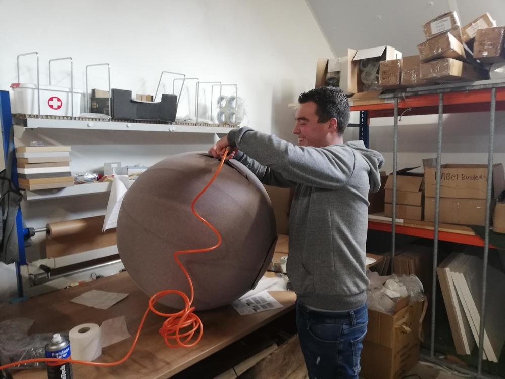 oppompen vluv zitbal  | kies voor een gezonde werkplek bezoek Worktrainer.nl