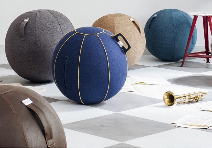 VLUV zitbal op kantoor  | ergonomische zitballen | blijf in beweging op werk | Worktrainer.nl
