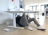 Montage Steelforce 470 | wissel staan en zitten achter je bureau af | Worktrainer.nl