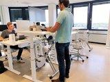 S470 zit sta bureau bureauverhogers  | wissel staan en zitten achter je bureau af | Worktrainer.nl
