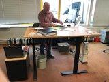 S671 hoekbureau zilver | Wissel zitten en staan af op werk | Worktrainer.nl