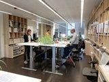 Deskbike bureaufiets in gebruik| Fiets je fit achter je bureau | Worktrainer.nl