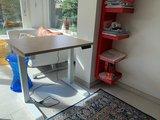 Klein zit-sta bureau StudyDesk | Staan achter je bureau | Staand werken | Worktrainer.nl