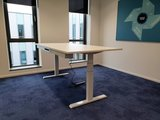 Very Stable Sit-stand desk SteelForce 670 | Electronically adjustable in height
