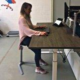 Zit-Sta leunkruk Fin Pur worktrainer.nl