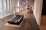 Hoge positie Walkdesk XL solo loopband achter je bureau Worktrainer.nl zit-sta bureau loopband actief werken bewegen tijdens we