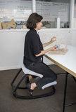 Varier Variable kneeling chair active furniture balance seat knee seat worktrainer.com worktrainer.nl