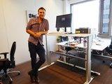 Aluforce 270 zit-sta bureau  | wissel staan en zitten achter je bureau af | Worktrainer.nl