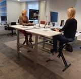 2 bureaus aan elkaar