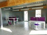 kantoorinrichting ergonomisch bureau   | wissel staan en zitten achter je bureau af | Worktrainer.nl