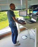 staand werken   | wissel staan en zitten achter je bureau af | Worktrainer.nl