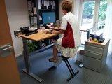hoek sta bureau met bureau fiets