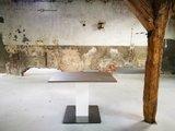 Bary zit-sta tafel - 1 kolom - bruin eiken werkblad  | kies voor een gezonde werkplek bezoek Worktrainer.nl