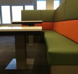 column table with bank  | kies voor een gezonde werkplek bezoek Worktrainer.nl