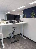 A140 wit zit sta bureau met deskbike