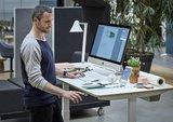 Linak bureau in gebruik | kies voor een gezonde werkplek bezoek Worktrainer.nl