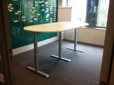 Zit-sta vergadertafel - 3 poot - S2HXL