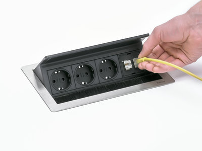 Fliptop Push borstel klep aansluiten alle accessoires bij je zit-sta bureau koop je online bij Worktrainer.nl